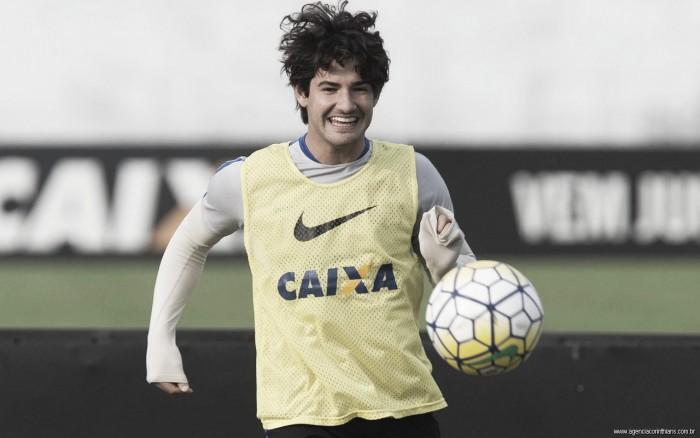 Alexandre Pato: relembre a passagem apagada do atacante com a camisa do Corinthians