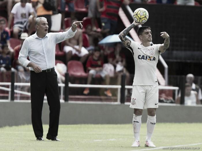 """Capitão, Fágner exalta sistema de jogo do Corinthians após vitória: """"Todos os atletas entendem"""""""