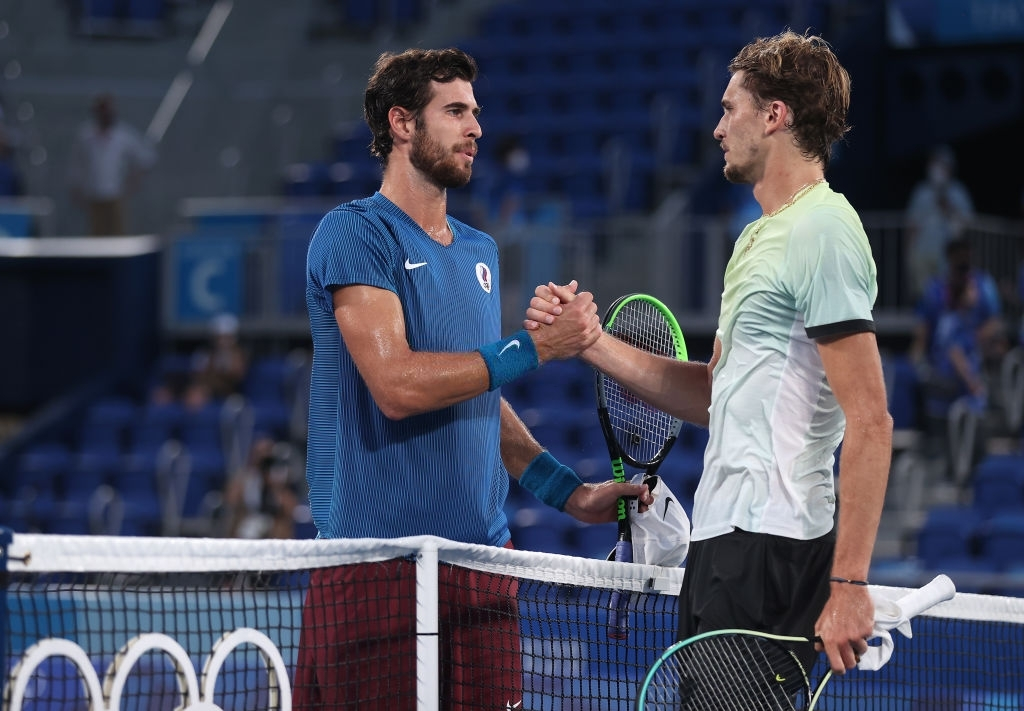 Zverev and Khachanov at the net after the conclusion of the gold medal match. Photo: