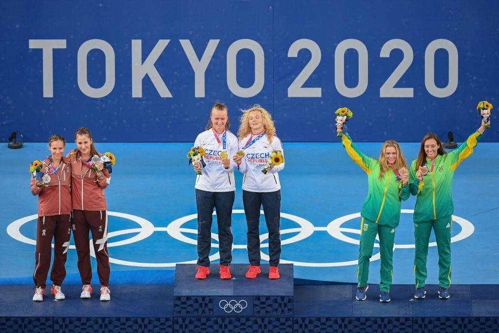 The women's doubles podium.. Photo: Vincenzo Pinto