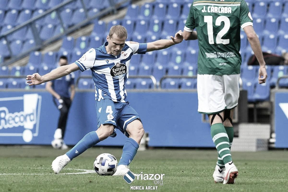 Álex Bergantiños en el encuentro disputado contra el Coruxo FC. Fuente: riazor.org