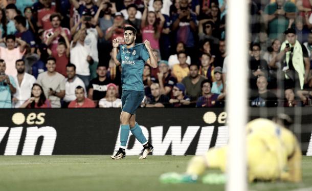 Cerrando el partido, Asensio muestra su nombre a la tribuna    Foto: Ángel Martínez (Real Madrid C.F.)