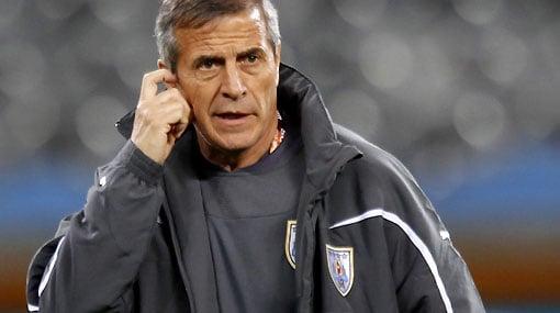 Uruguay boss Óscar Tabárez could hold the key to Gastón Ramírez' Middlesbrough return   Photo: elcomercio.pe