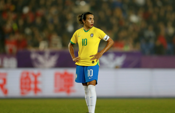 Brazilian and Orland Pride superstar Marta waits to take a free kick. (Photo by Fred Lee/Getty Images)