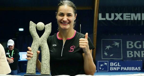 A cheery Niculescu with her Luxmebourg trophy, her third career title overall. Photo credit: Fernand Konnen.