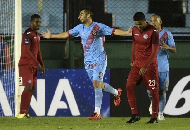 Argentinos tentam usar a primeira fase como motivação diante do Leão (Foto: Juan Mabromata/AFP)