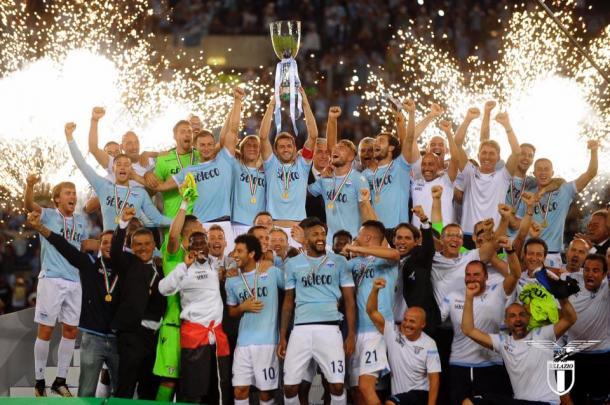 SS Lazio levantando el título de supercampeones de Italia / Foto: SS Lazio