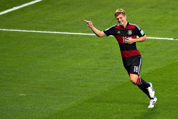 Toni Kroos celebra uno de sus goles en la semifinal del Mundial de Brasil 2014 | Fuente: Yahoo Deportes