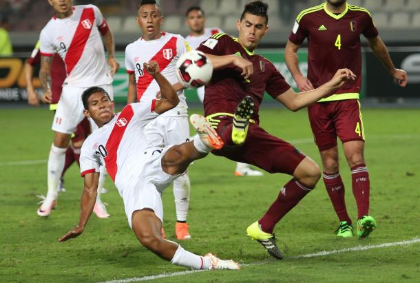 Venezuela made Peru fight for every thing in the 2-2 draw on Friday at the Estadio Nacional. Photo provided Andina.