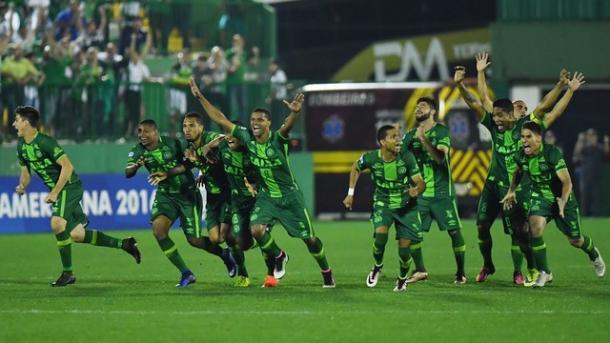 Em 2016, a Chapecoense fez uma campanha regular, suficiente para manter a equipe na primeira divisão. (Foto: Nelson Almeida/AFP)