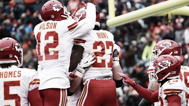 Kareem Hunt ha finalizado la temporada líder en yardas por carrera | Foto: Chiefs.com