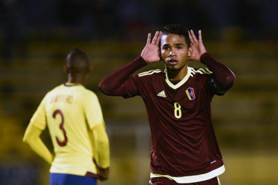 Herrera celebrando el primer gol. FOTO: AFP.