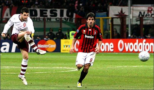 Quando Fabregas, 21 enne, eliminò il Milan Campione d'Europa dalla Champions. Fonte foto: Thesun.