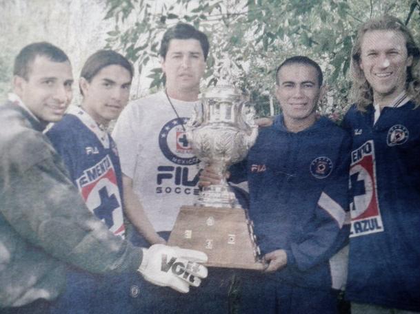 Sus inicios con Cruz Azul Campeón en Invierno de 1997   Fuente: Globedia