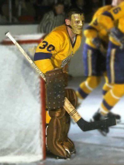 Terry Lawchuck con los Kings y su tradicional máscara completa. (Golden Golies)