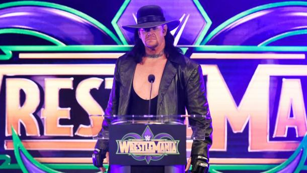 The Unertaker en la conferencia de prensa (WWE.com)