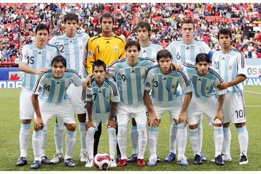 Selección campeona en Canadá 2007. Algunos de los nombres: Gabriel Mercado, Mauro Zárate, Ever Banega, Sergio Romero y Sergio Agüero. Foto: Internet.