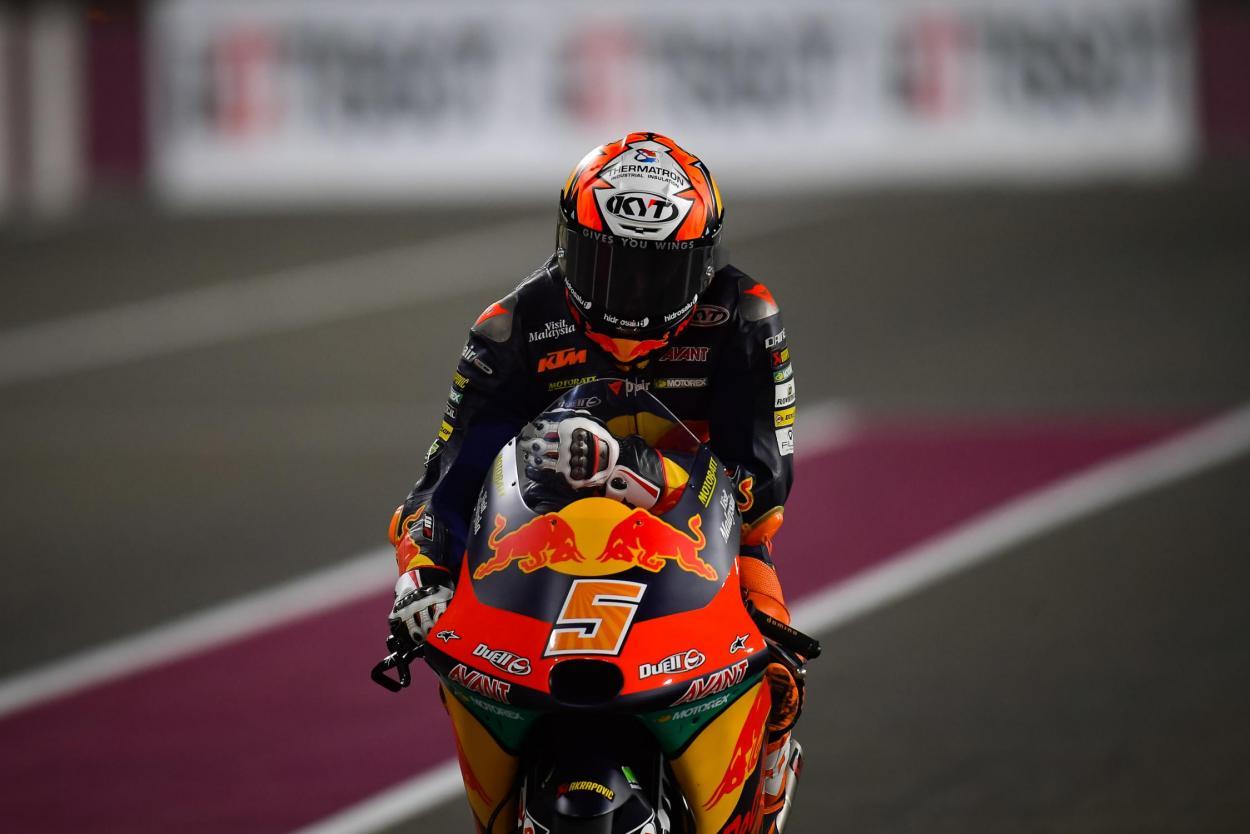 Masiá, llegando al parque cerrado tras su pole. Imagen: MotoGP