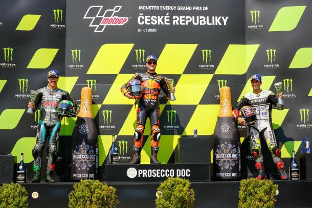 El podio de Brno, con Morbidelli, Binder y Zarco (de izquierda a derecha). Imagen: MotoGP