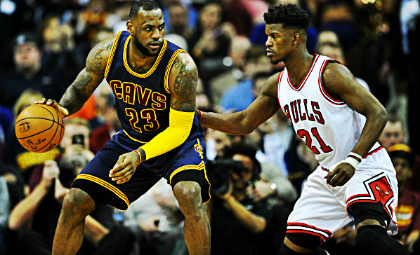 Jimmy Butler in difesa su Lebron James