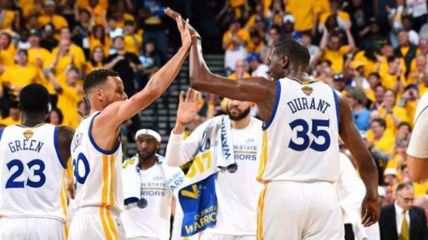 Finale Nba, Golden State va sul 2-0""