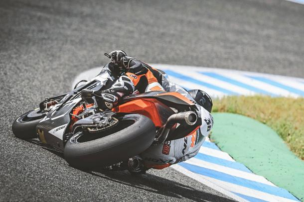 The KTM RC16 on track at Jerez 0 www.motorcycledaily.com