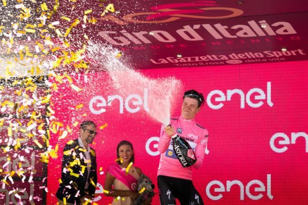 La maglia rosa, Bob Jungels. Fonte foto: OA sport