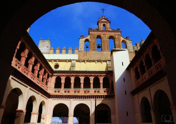 Claustro Monasterio San Isidoro del Campo.     Foto: Fran Rodgue