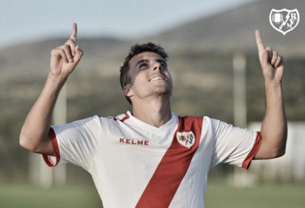 Aguirre celebrando un gol | Fotografía: Rayo Vallecano S.A.D.