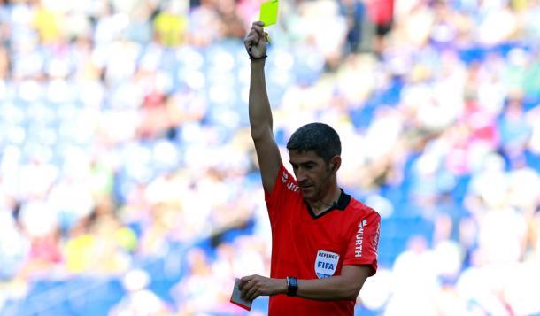 Undiano Mallenco saca amarilla a un jugador | Real Valladolid