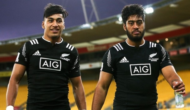 Rieko (left) and Akira Ioane will play for the Kiwi Sevens and Blues in 2016 (image via: foxsportsasia)