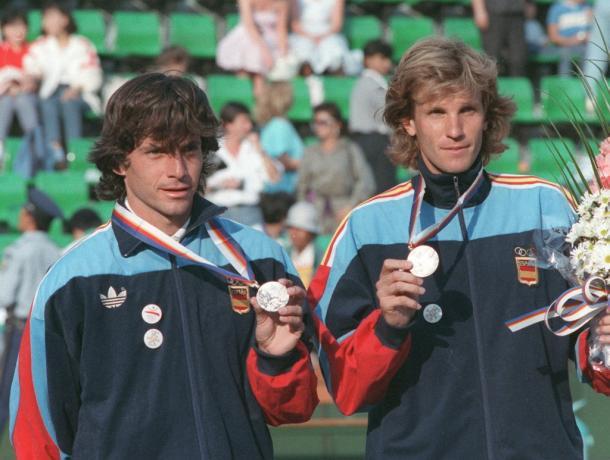 Emilio Sánchez Vicario y Emilio Casal en Juegos Olimpicos. Foto: juegos-olimpicos.com