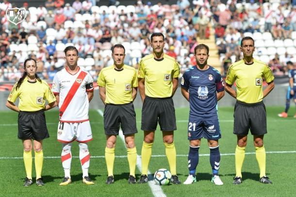 Embarba estrenando capitanía en su partido 100. Foto: Rayo Vallecano