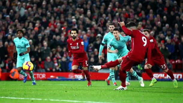 Firmino en su tercer gol. Foto: Premier League.