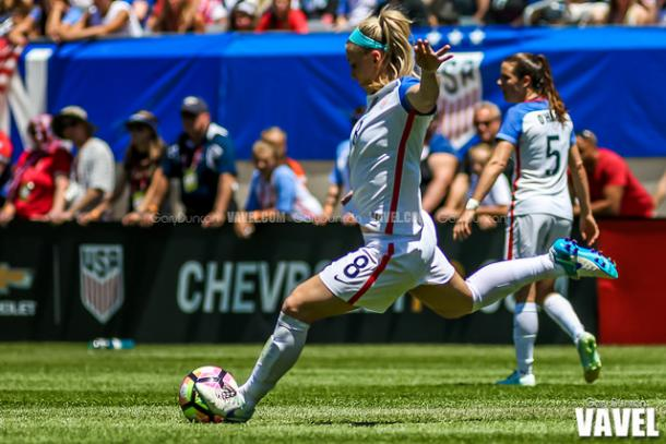 Both defenders pictured, Julie Ertz and Kelley O'Hara, were named to play in the 2017 Tournament of Nations l Photo: Gary Duncan/VAVEL USA