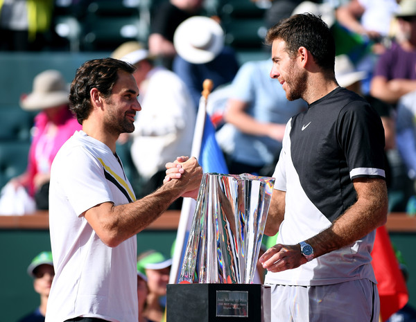 Roger Federer (left) congratulates Juan Martin del Potro (right) after their epic Indian Wells final on Sunday. Photo: Harry How/Getty Images
