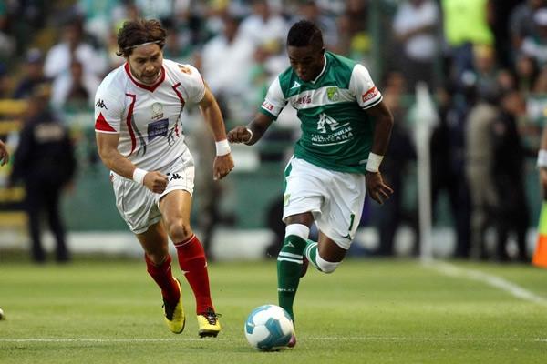 León gana 3-0 a Lobos BUAP
