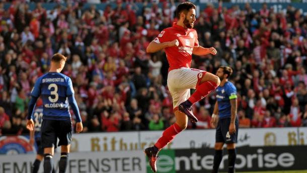 Malli esulta dopo il gol del raddoppio. | Fonte immagine: Bundeslica