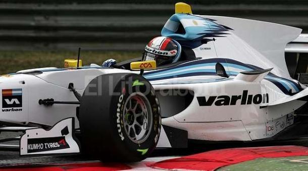 Regalia a bordo del formula de GP2. Foto: Diario El Litoral.
