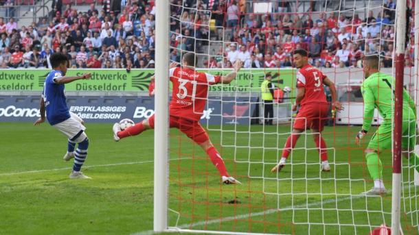 (F. Düsseldorf 0-2 Schalke 04   Foto: Imago/Bundesliga)