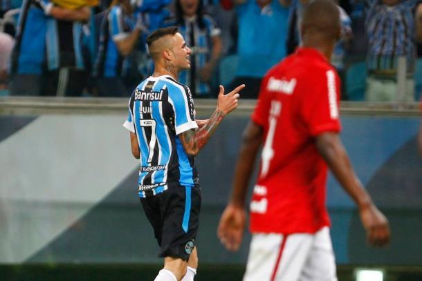 Com 17 gols em 2015, Luan já é o artilheiro do Grêmio em 2016 (Foto: Divulgação/Grêmio)