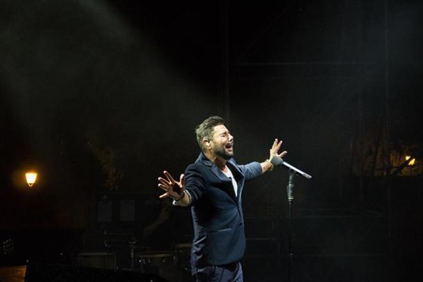 Miguel Poveda en concierto | Fuente: Instagram @cabaretfest