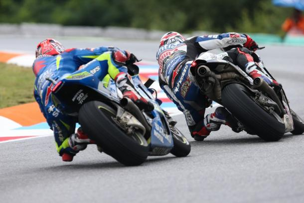 Baz on the move, overtook Vinales with ease due to more grip - www.avintiaracing.com