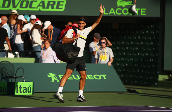 Roger Federer leaves the court after his upset loss in Miami. Photo: Clive Brunskill/Getty Images