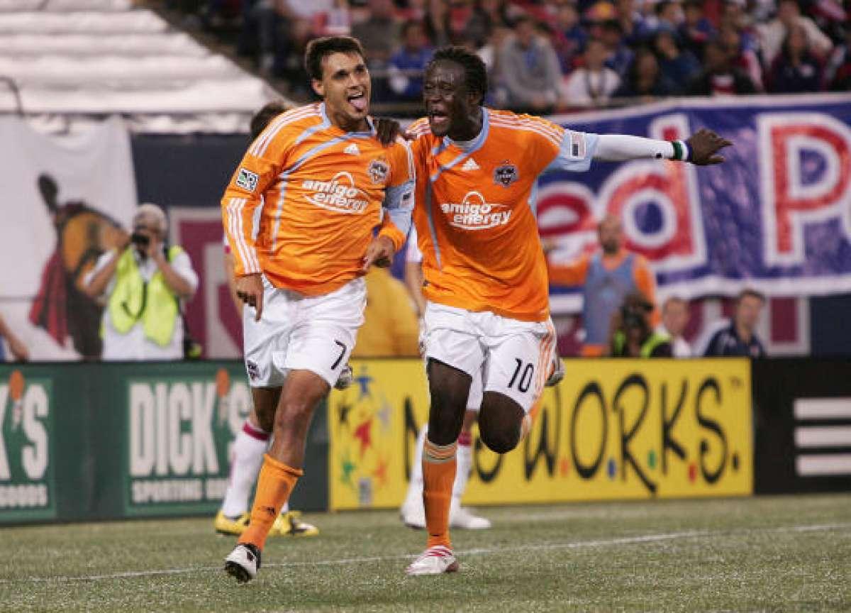 'Wondo' celebrando un gol con el Dynamo (chron.com)