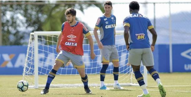 Todo mundo atento no treinamento antes da partida diante do Palmeiras. (Foto: Washington Alves/Cruzeiro)