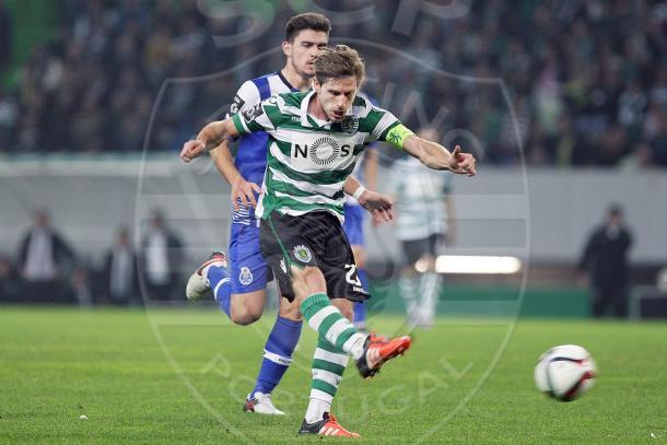 O Sporting viaja até à invicta liderado pelo capitão Adrien // Foto: Facebook do Sporting CP