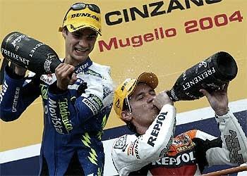 Mugello 2004, Porto y Pedrosa en el podium. Foto: motogp.com
