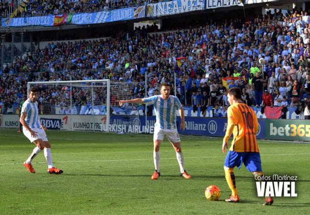 El buen sistema defensivo del Málaga inhabilitó cualquier ofensiva culé | Fotografía: Carlos Martínez (VAVEL)