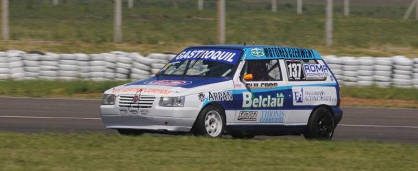 Fiat Uno de Ruben Arguisain Campeon 2015 de la Clase 1. Foto: Matias Valencia.